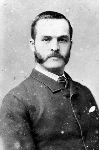 A clean shaven face was quite rare at the time where as a mustache and mutton chops were seen as quite fashionable. This fits the style but is still not too big.