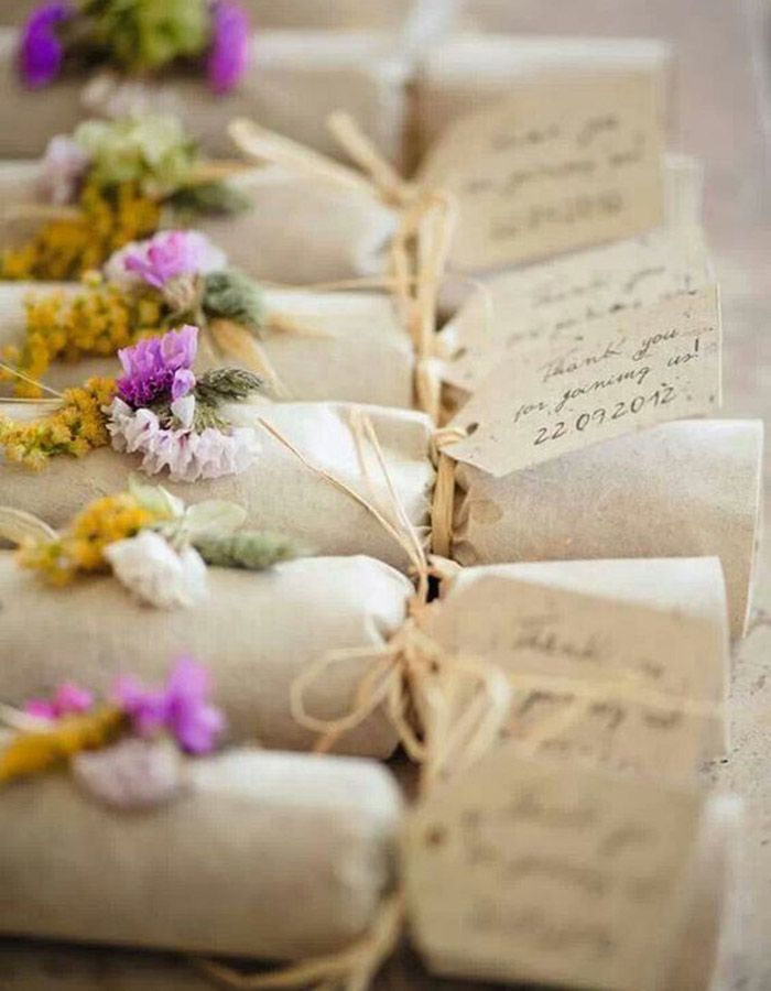 easy diy rustic wedding favors%0A Between yummy favors and sweet stations with all the fixings  check out  these fun new ways to serve up the sweetest candy creations on your Big Day
