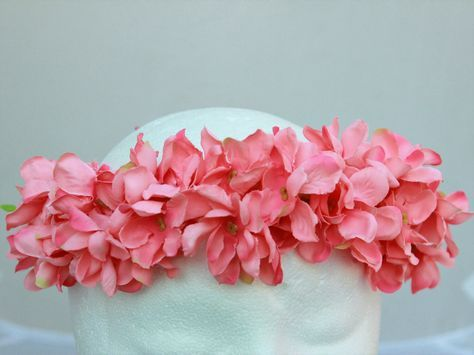 Moana Headband - Moana theme birthday - Moana floral crown - Hawaii theme party - Luau Crown - Moana theme crown by BloomsNBugs on Etsy https://www.etsy.com/listing/507614737/moana-headband-moana-theme-birthday