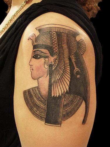 17 best ideas about cleopatra tattoo on pinterest tattoo artists nefertiti tattoo and. Black Bedroom Furniture Sets. Home Design Ideas