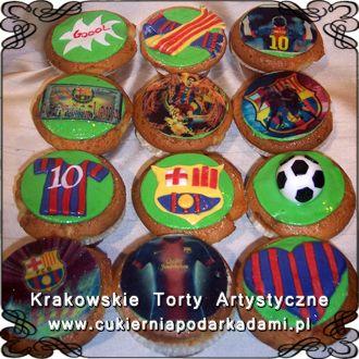 014. Mini torty z symbolami klubu piłkarskiego Barcelona. FC Barcelona cake.