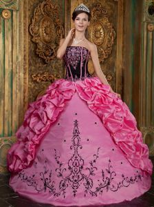 Embroidery Rose Pink and Black Dress for Quince with Pick-ups