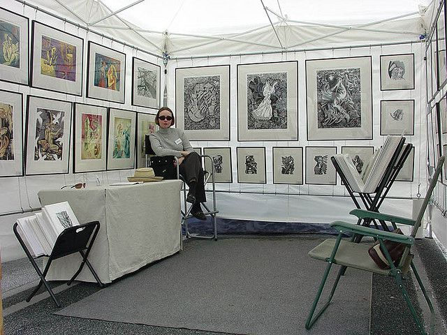 Art festival booths this is the one for sean paul art for Display walls for art shows
