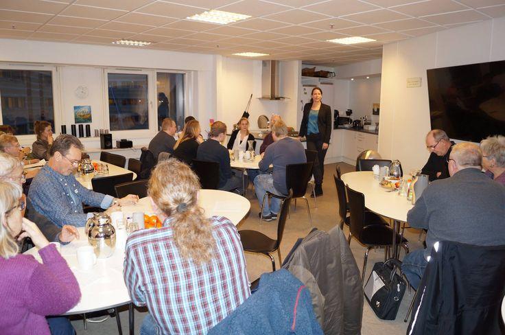 I Aarhus samledes i alt 23 personer torsdag den 14. januar 2016 til et fyraftensmøde hos Advokatkompagniet, hvor advokat Camilla Ernst holdte oplæg. Deltagerne var 3 fra advokatkontoret, en bred kreds af beboerrepræsentanter, to af vores jurister, flere jurastuderende og