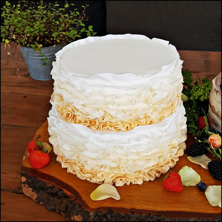 classic ruffle-cake filled with champagne-lemon cream