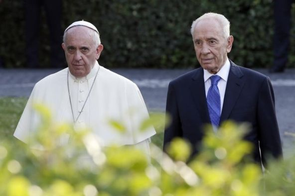 """9/5/14 - UN of Religions or ONE World Religion? -- Shimon Peres Floats Idea of U.N.-style """"United Religions"""" with Pope Francis"""
