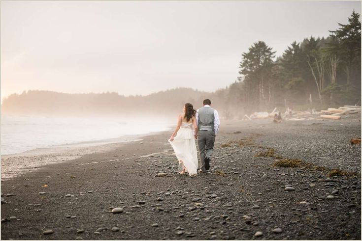Rialto Beach Elopement | Pacific Coast Wedding | PNW Elopement | Olympic National Park | Salt & Pine Photography | #adventure #elopement #beach #PNW #pacific #coast #wedding #olympic #nationalpark #love #bride #groom