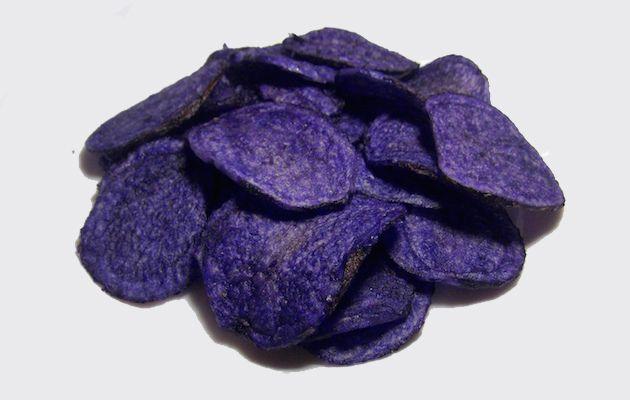 Patate viola, patate blu, patate nere e patate grigie, ecco come si usano in cucina e come coltivarle nel proprio orto domestico.