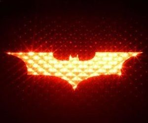 You might not be driving around in the Batmobile, but with the Batman brake light cover you can still show off your love for all things Batman by easily...
