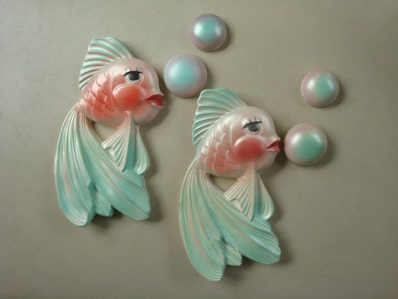 Vintage 1964 Miller Chalkware Fish and Bubbles Set ... I remember these being in people's bathrooms...but not ours...Mom didn't like 'kitch' that well.
