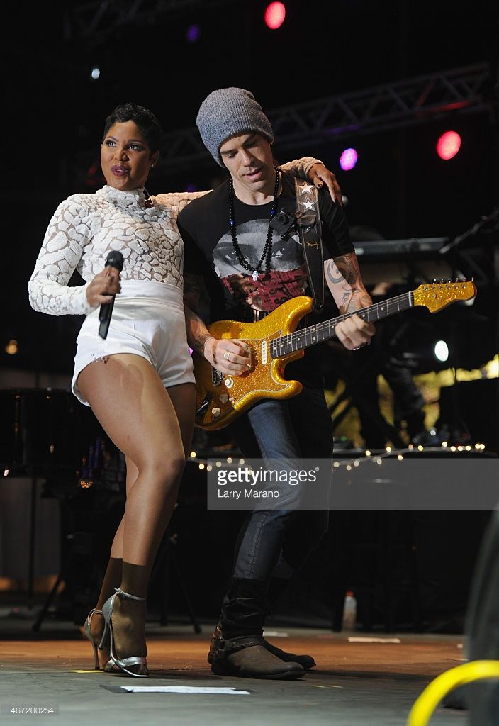 Toni Braxton performs onstage at the 10th Annual Jazz in The Gardens: Celebrating 10 Years of Great Music at Sun Life Stadium on March 21, 2015 in Miami Gardens, Florida.