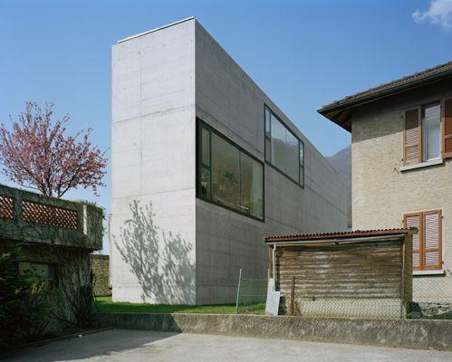 Casa Martini   Monte Carasso, Switzerland   Guidotti Architetti   photo by Francesco Girardi