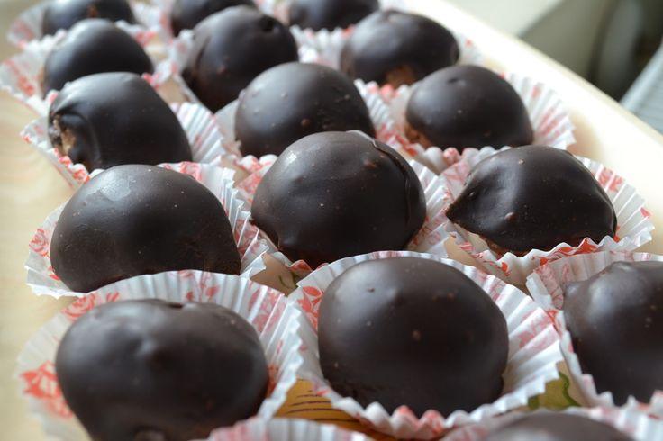 Mennyei bonbon, olyan mint a Ferrero! Ez a töltelék valami fantasztikus!