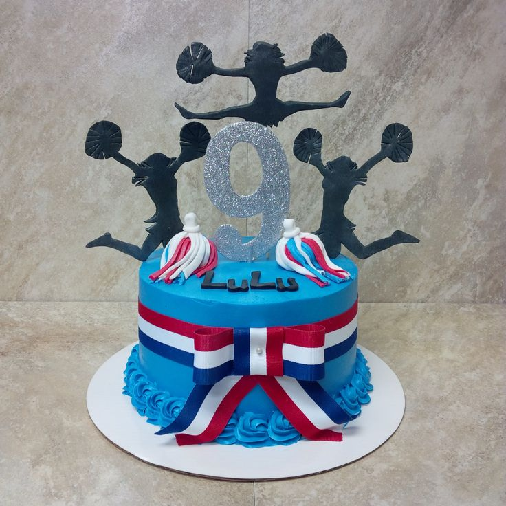 Cheerleading Cake. Fondant silhouettes.