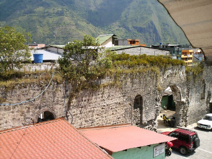 Roof over the Walls of the Old Baños Church,© Christian Brown