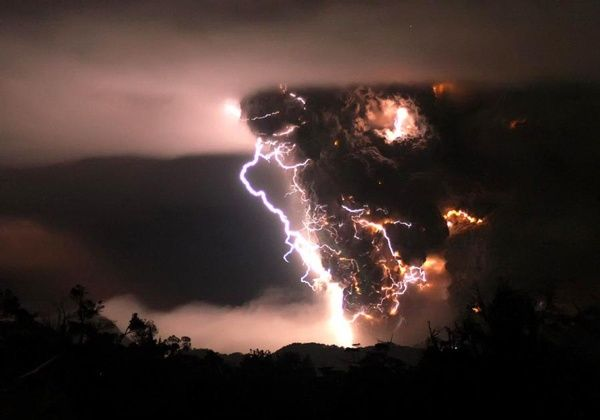 Storm: Photos, Thunderstorms, Chile, Erupting Volcanoes, Natural Disasters, Beautiful, Lightning Storms, Storms Cloud, Mothers Natural