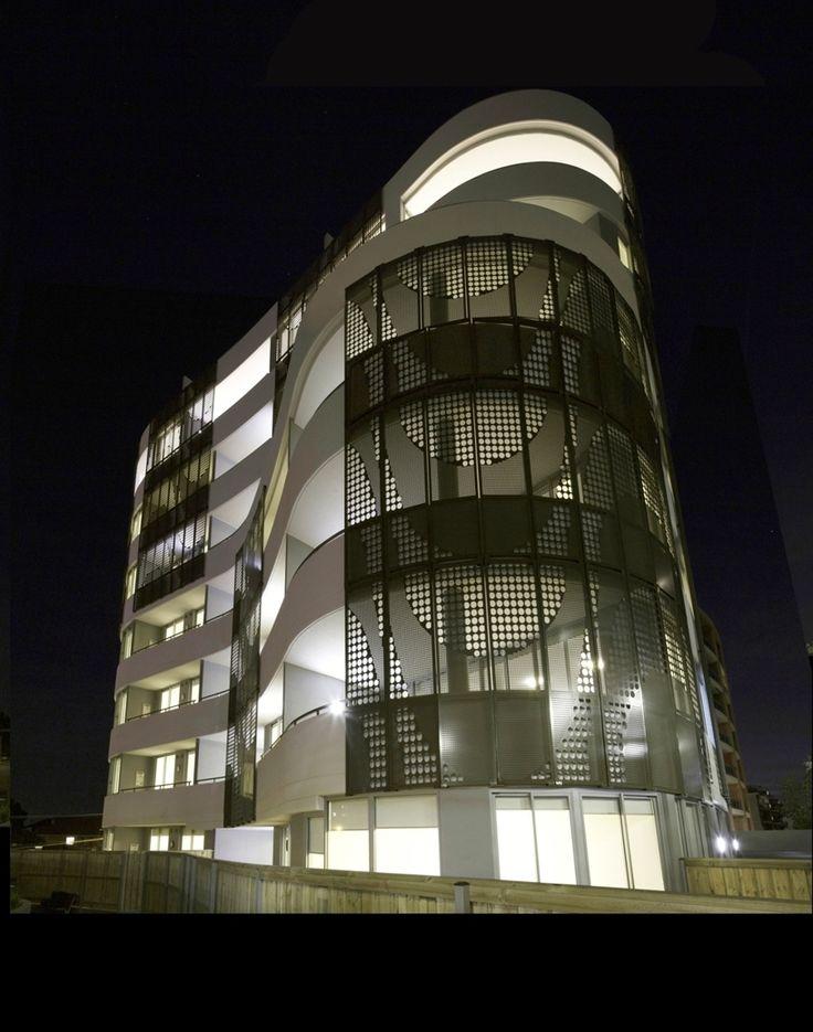 Longbeach Apartments At Night