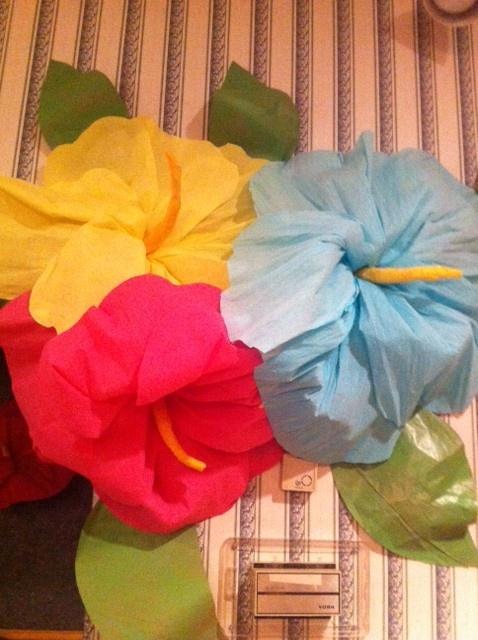 Giant Hibiscus flowers | Luau Parties | Pinterest | Flower ...