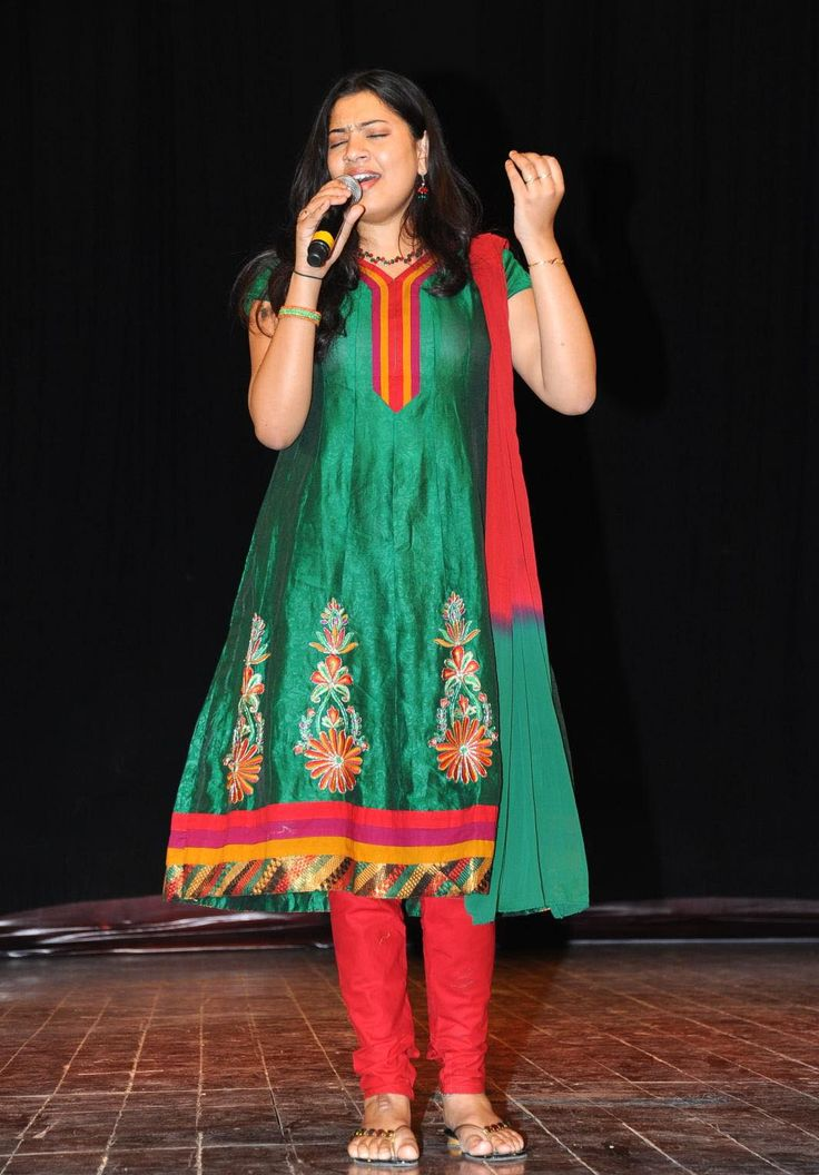 #Singer #GeethaMadhuri #Photos