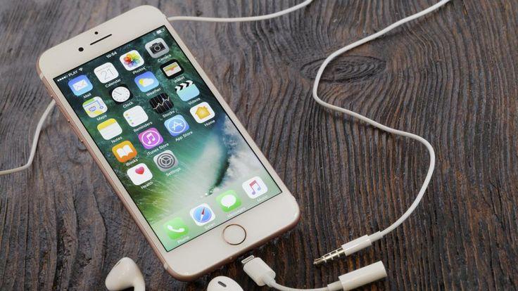 La compañía de Steve Jobs intenta resolver el problema que empezó con la eliminación del puerto de auriculares del iPhone 7