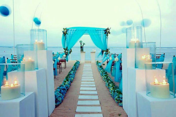 My perfect wedding on the beach & my favorite color