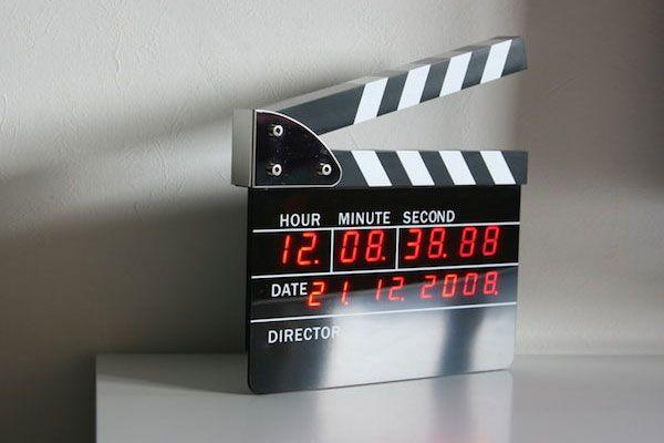 Directors-Edition-Digital-Alarm-Clock.jpg 600×400 Pixel