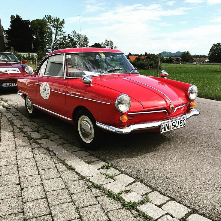 Another German mini classic: the NSU Sport Prinz even with an original licence plate #bordsteinschrauber #nsu #prinz #nsuprinz #nsusportprinz #sportprinz #minicars #vintage #vintagecar