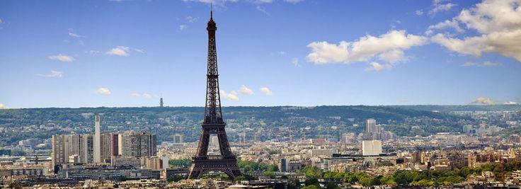 """#Paris - Sie Stadt der Liebe von oben! Lust darauf, einen Blick über die Stadt und all ihre #Sehenswürdigkeiten schweifen zu lassen? Dann freuen Sie sich auf Ihr Paris-Extra eine Auffahrt auf den """"Tour #Montparnasse"""", das nach dem #Eiffelturm höchste Gebäude in Paris!"""