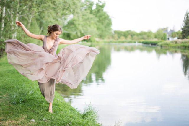 Lavender wedding dress | Rensche Mari Photography | see more on http://burnettsboards.com/2014/02/sublime-springtime-wedding/