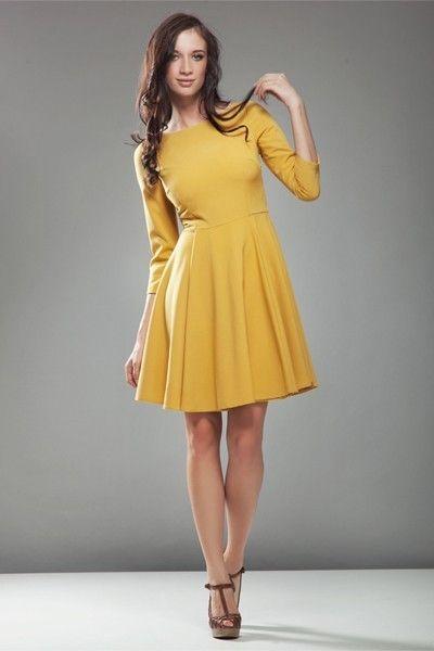 Sukienka Audrey Yellow z rękawem 3/4 idealnie nadawać się będzie na jesienne i zimowe dni. Bardzo kobieca i stylowa zachwyca swoją delikatnością i dziewczęcym wdziękiem. #modadamska #sukienka #suknia #sklepinternetowy #allettante