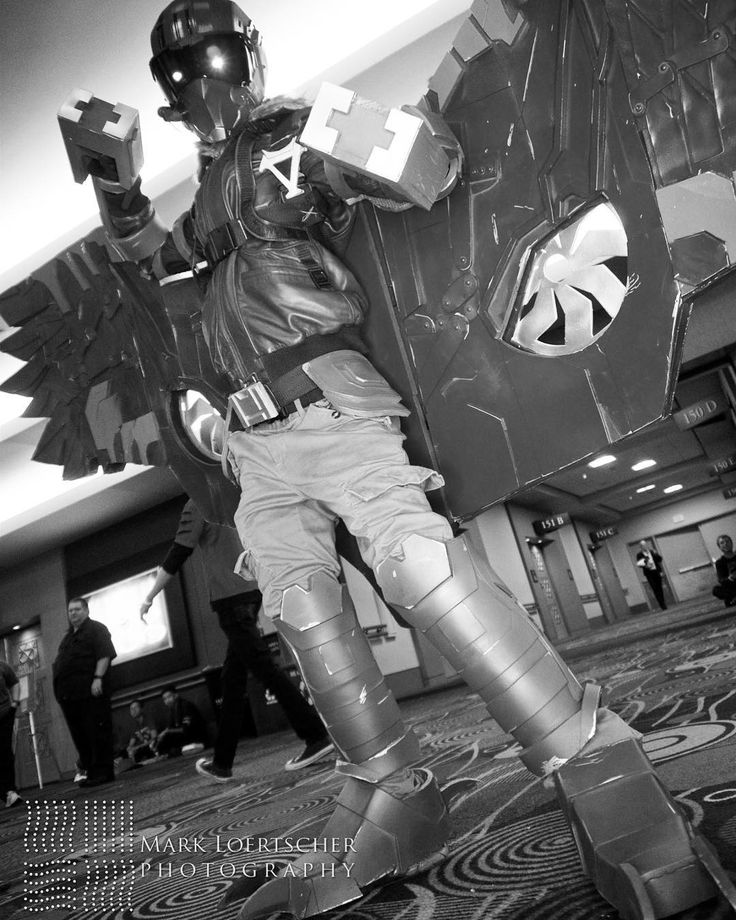 Black and white week is winding down! This shot of the Vulture come from @mloertscher  Helmet by Ruotech  #beelickcosplay #cosplayersofinstagram #cosplay #cosplayer #cosplayguy #thevulture #vulture #thevulturecosplay #spiderman #spidermanhomecoming #adriantoomes #adriantoomescosplay #spidermanhomecomingcosplay #spidermancosplay #sinister6 #sinistersix #marvel #marvelcosplay #mcu #mcucosplay #marvelcinematicuniverse