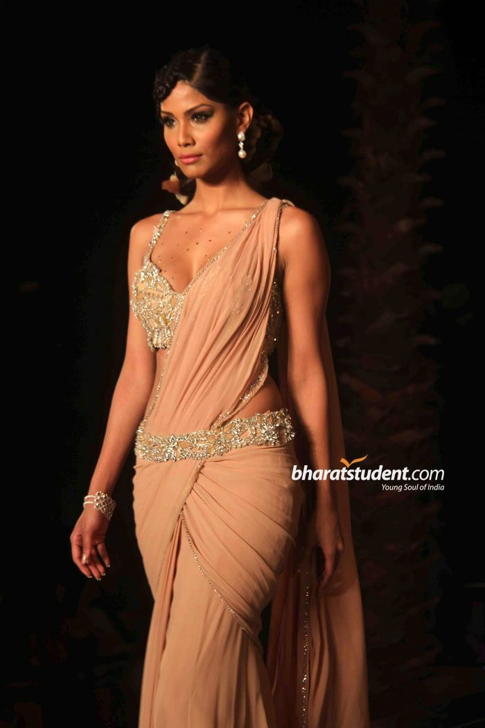 Nicole Faria in gorgeous #Saree Blouse by http://www.TarunTahiliani.com/ 2011