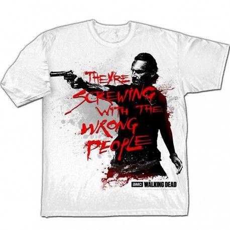 """Camiseta oficial barata de la serie #TheWalkingDead por tan solo 15,53€. """"They're screwing with the wrong people""""."""