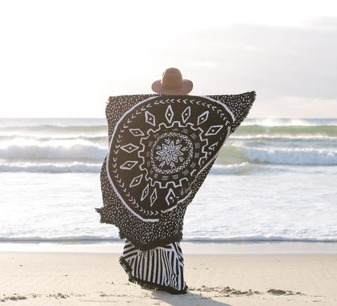 The Dreamtime Round Towel from Salt Living   #thebeachpeople