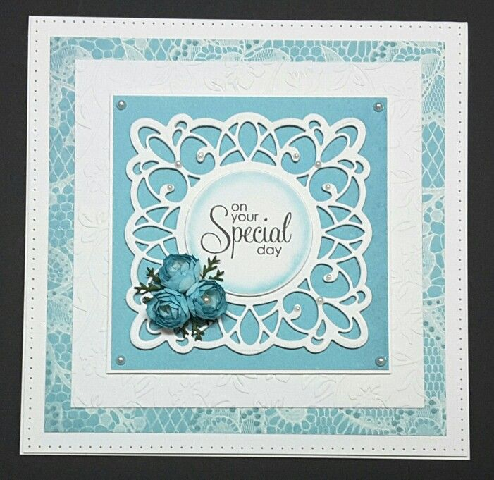 """Sue Wilson die """"Sydney CED8104"""" and the the flowers are a Marianne Design Creatables Flower Set LR0145"""