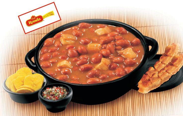Frijoles con tocino que se puede acompañar con platanitos. receta colombiana con tocino de cerdo. #comida #colombia #receta