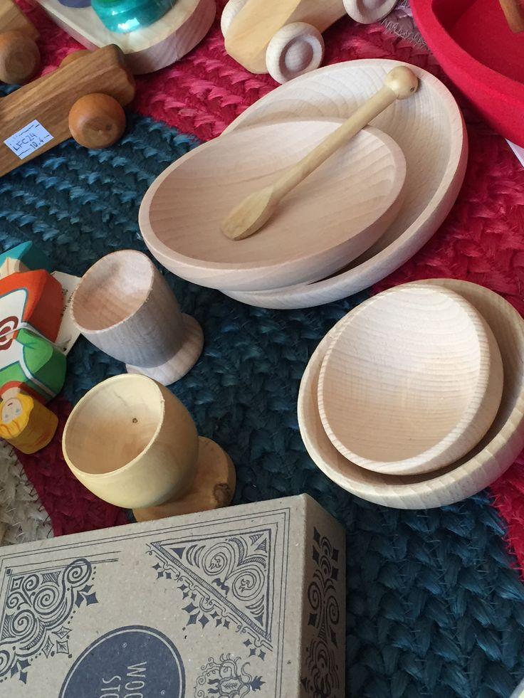 Plato, vasos y cubiertos de madera www.hullitoys.com