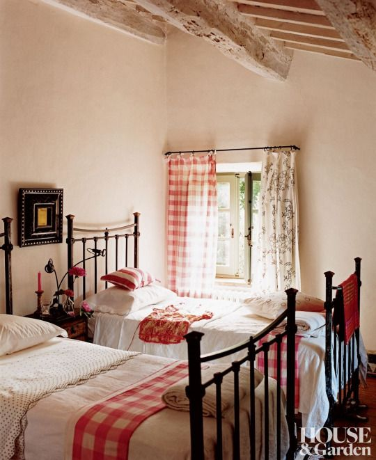 17 Best Ideas About Vintage Beds On Pinterest