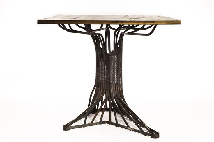 A range of furniture based on the concept of an oak tree::By Jeroen Bomers