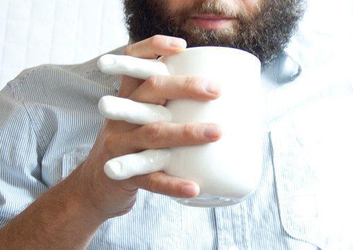 Porcelain Mug  Tea or Coffee Mug with Fingers por KinaCeramicDesign