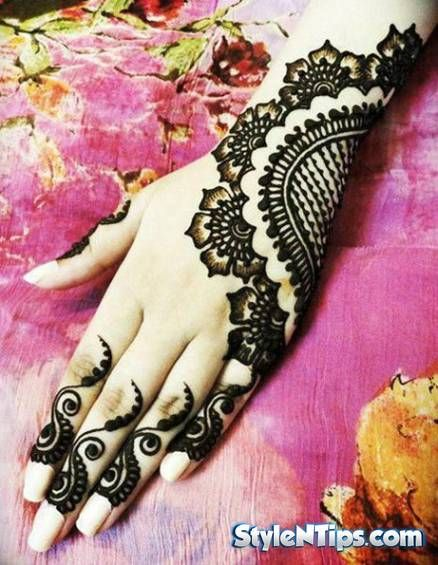 Are you looking for some of the amazing Eid ul Adha mehndi designs 2014 for girls and women?. Well we all know that these days the women are in search to find some of the lovely looking henna patterns that can make their hands and feet stunning looking on the Eid festival.