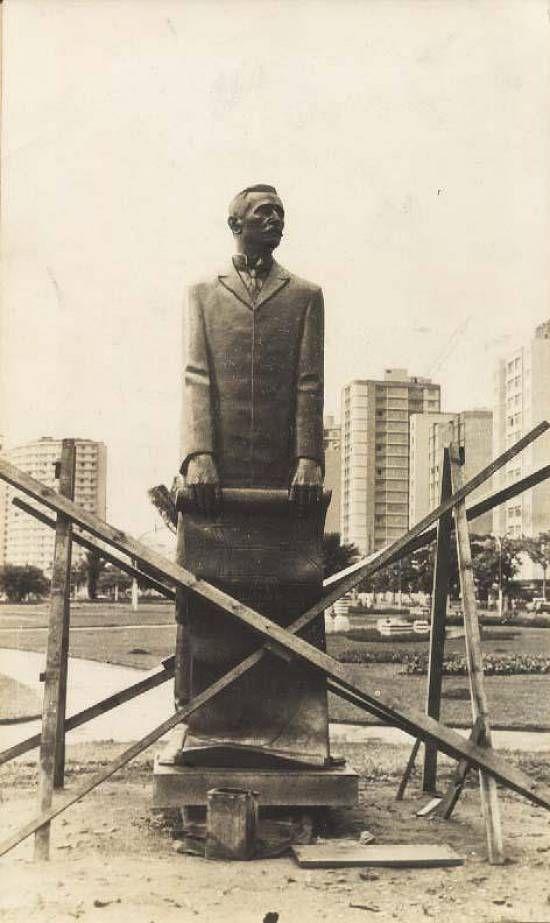 Novo Milênio: Santos - fotos antigas - Estátua de Saturnino de Brito, 1969