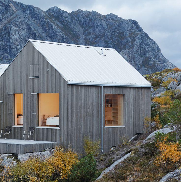 Auson Tjärvitriol lanserades våren 2014 och har snabbt blivit en populär produkt bland arkitekter och konsumenter som efterfrågar en stilren grå kulör till...