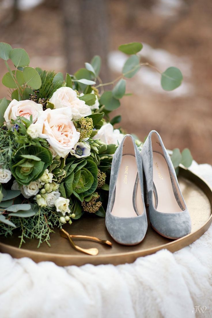 Velvet bridal shoes from Nine West captured by Calgary wedding photographer Tara Whittaker | Bridal bouquet from Fleurish