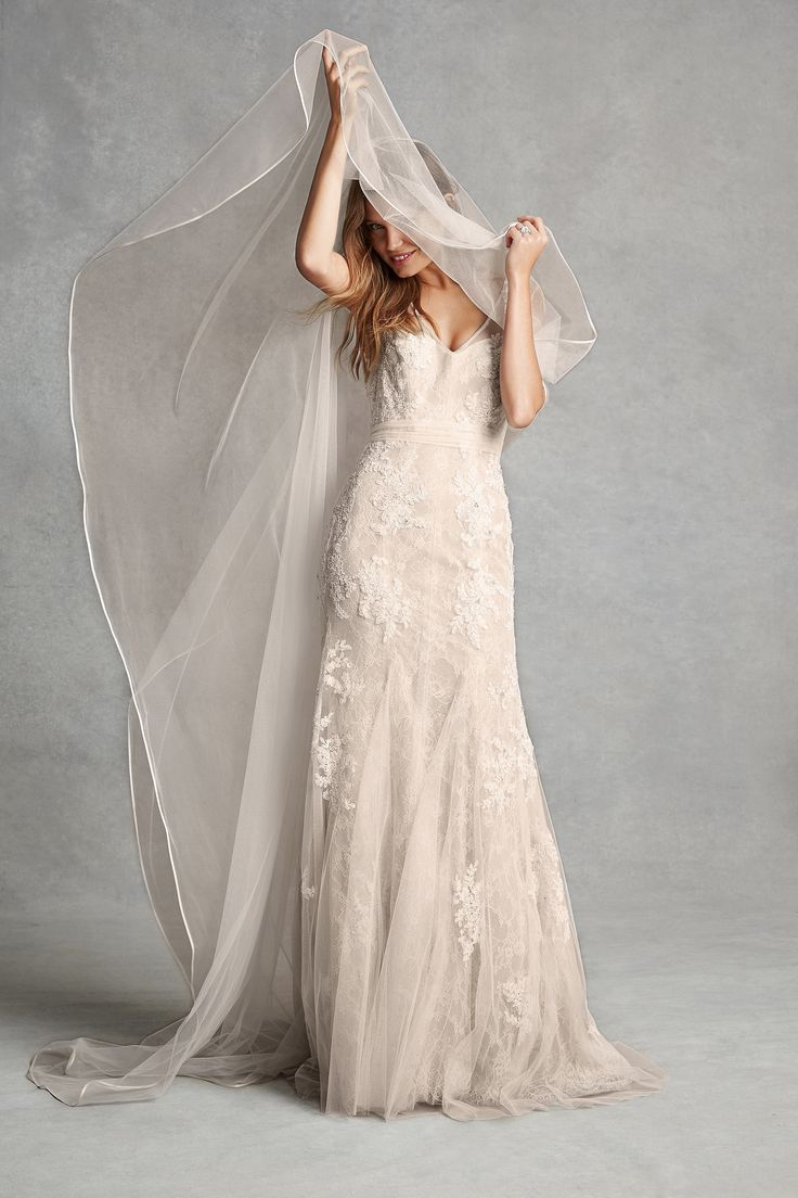 New cheap-er monique lhuillier collection (the Diva is probably aware of this already) http://www.fabsugar.com/Bliss-Monique-Lhuillier-Bridal-Spring-2015-Pictures-35305558#photo-35305578