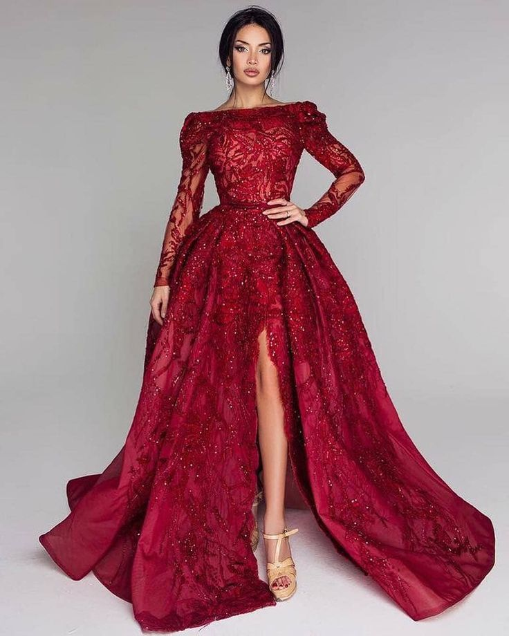 Ohhhhh 😃 . . . #reddress #fashion #beauty #lips #hair #hairstyle