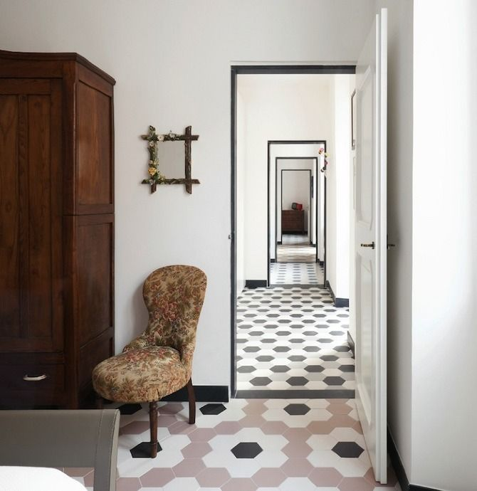 Grooppo: Casa G+S - Thisispaper Magazine: Floors Patterns, Casa G S, Black Doors, Tile Patterns, Floors Tile, Old Home, Casa Gs, Interiors Design, Doors Frames