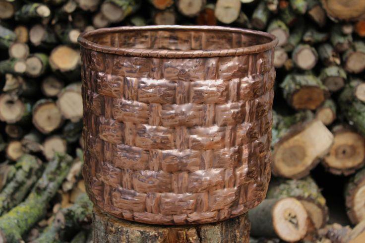 Vaso cesto jar basket rotondo portaoggetti in rame lavorato a mano di LaCasadelRame su Etsy