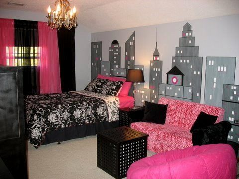 teen girls bedroom...NYC style! Love this   if she's a girly girl! Fashion diva! Only I'd do an actual picture of the   skyline instead of an actual wall painting/mural!