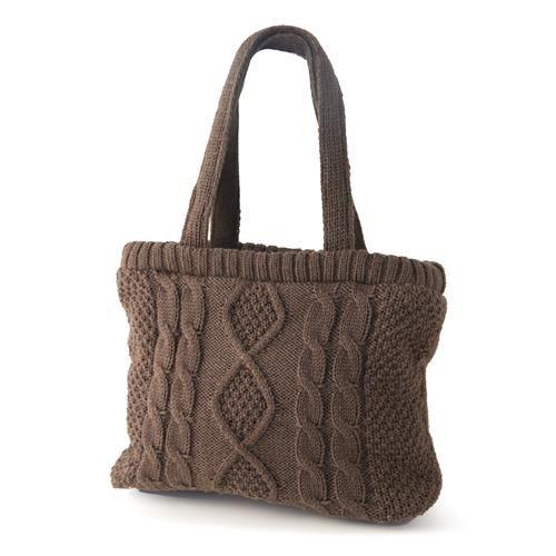 BORSA ANGELA MARRONE  -  Borsa realizzata a maglia  fantasia in acrilico.Interno in tessuto, dotata da comoda tasca porta-cellulare. Chiusura con zip.